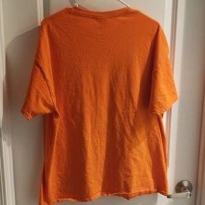 Gildan Shirts - Gildan heavy cotton shirt